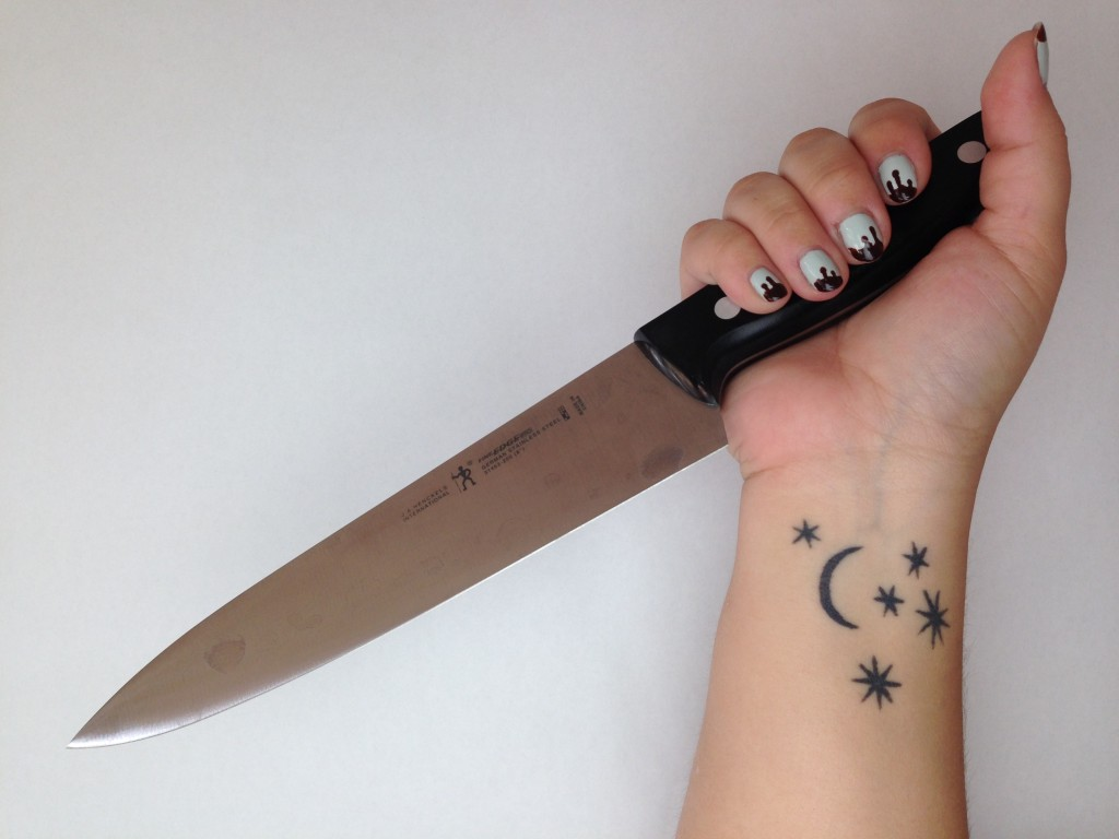 halloween nails knife